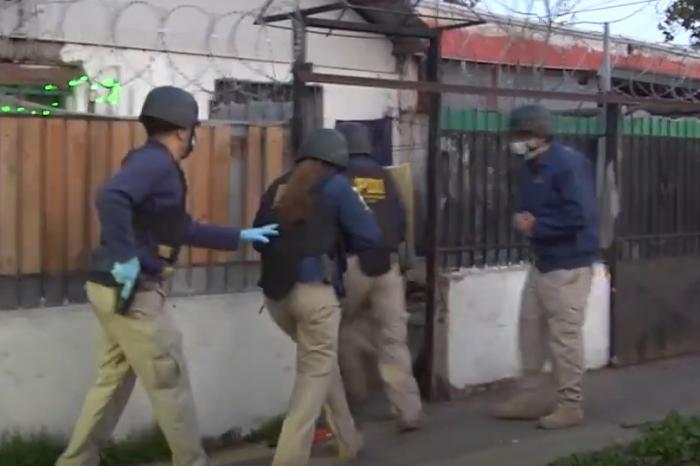 Detienen a cuatro neonazis por secuestrar y torturar a joven homosexual: Movilh pide intervención del Ministerio del Interior