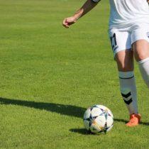 """Comunas en transición: Minsal informó que se puede practicar fútbol siempre y cuando """"no se mantenga un contacto estrecho"""""""