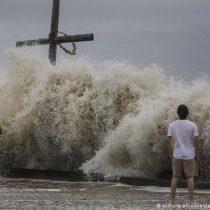 El huracán Laura entra en Luisiana con categoría 4