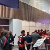 Isla llegó a Brasil y fue recibido con fervor por hinchas del Flamengo