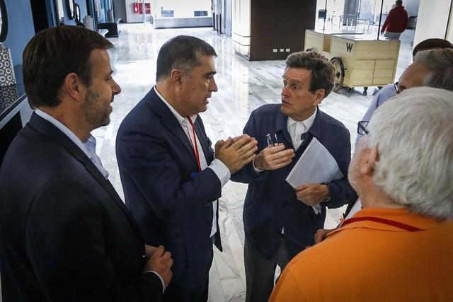 """La ofensiva de los """"duros"""" en RN: Carlos Larraín propone adelantar elecciones internas y asegura que el sucesor de Desbordes """"tiene que estar por el rechazo"""""""
