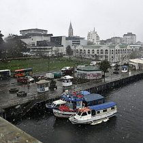 Inesperada nevazón sorprendió a habitantes de Los Ríos y Los Lagos este viernes
