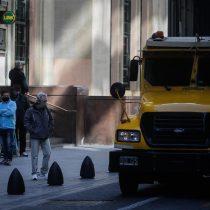 """Miércoles negro en Argentina: """"Súper cepo"""" al dólar dispara el riesgo país y hunde la bolsa"""