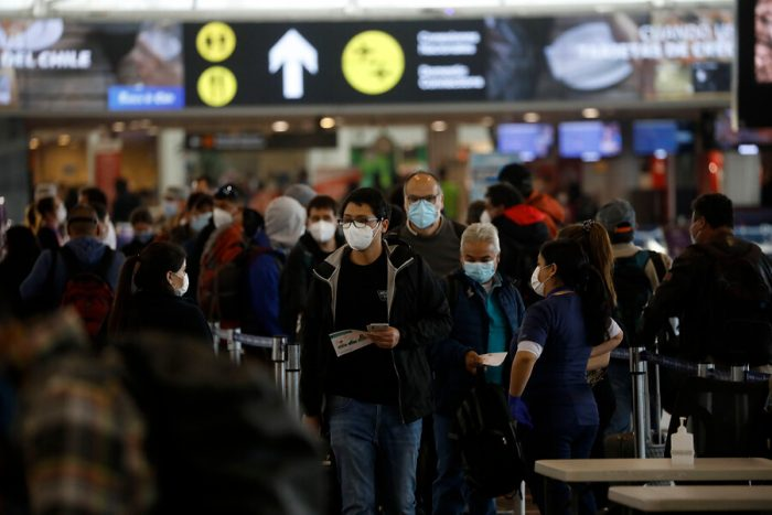 Detallan nuevo protocolo de ingreso al país y progresiva recuperación de los viajes aéreos