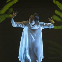 Artista sorda expone en danza los horrores de la bomba atómica