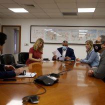 Senadoras Sabat y Rincón se reúnen con Presidente de la ANFP y anuncian proyecto para impedir contratación de futbolistas con condenas por VIF