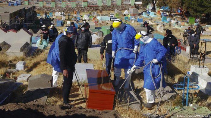 Pandemia de covid-19 supera un millón de muertos en el mundo