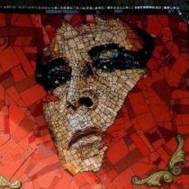 Ministerio de las Culturas condenó vandalización de mosaico en homenaje a Pedro Lemebel