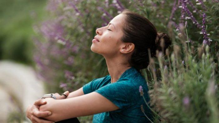 Los sorprendentes beneficios de aprender a respirar más despacio (y cómo hacerlo)