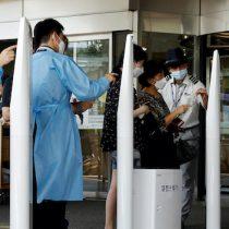 """Cita de libros: """"Los días de la fiebre"""", el escritor colombiano Andrés Felipe Solano narra en primera persona la pandemia en Corea del Sur"""