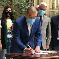Oposición ingresó acusación constitucional contra ministro Víctor Pérez