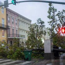 Huracán Zeta arremete contra la costa de Luisiana en EE.UU.
