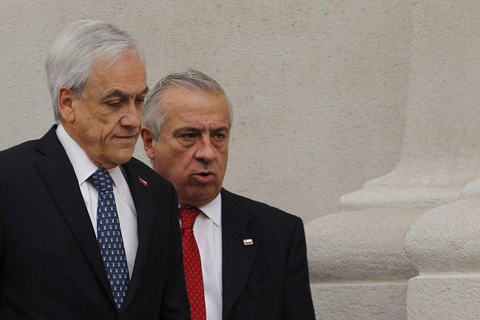 """""""¿Qué teme el Gobierno que se descubra?"""": oposición fustiga petición de Piñera ante la Suprema para bloquear entrega de correos del Minsal"""