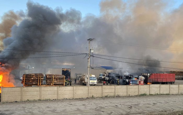Advierten nuevas movilizaciones: agrupaciones de transportistas rechazaron ataque incendiario a camiones en Angol e hicieron llamado al Gobierno a frenar este tipo de acciones