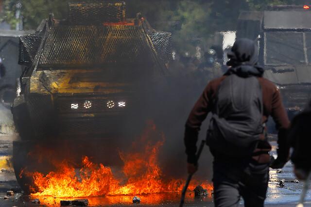 Diputados de Chile Vamos buscan sesión especial para abordar violencia derivadas de manifestaciones en Plaza Baquedano