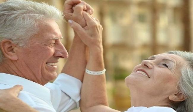 Mes del Adulto Mayor: Talleres, apoyo económico y programas de salud buscanpotenciar el envejecimiento positivo