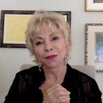 Isabel Allende reflexiona sobre el feminismo en