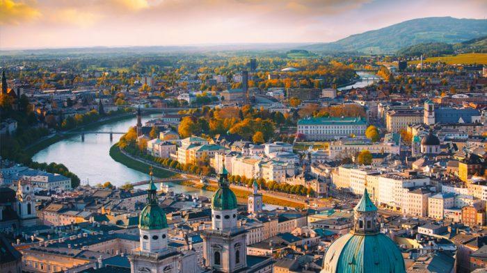 Aniversario patrio y Constitución de Austria