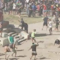 En medio de pacífica manifestación por el 18-O: registran violento enfrentamiento entre