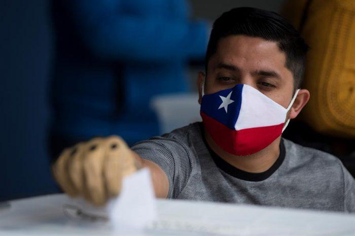 """Con pandemia y voto voluntario: recuento final confirma que plebiscito registró """"la mayor votación en números absolutos de la historia"""""""