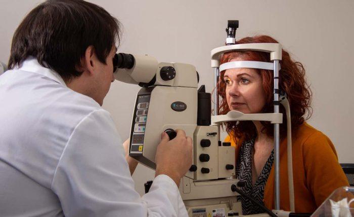 """""""Astenopia"""": El agotamiento visual que estamos sufriendo con la pandemia"""