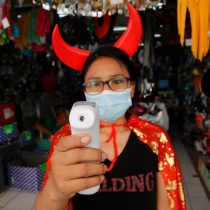 """Minsal aclara dudas para """"Halloween"""": """"La máscara de disfraz no reemplaza la mascarilla"""""""