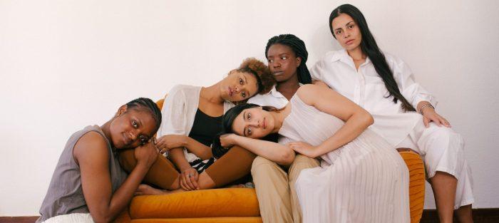 La necesidad de igualar la condición jurídica y social de las mujeres en la sociedad
