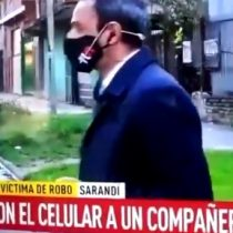 Insólito: roban celular a periodista mientras realizaba despacho en vivo en Argentina