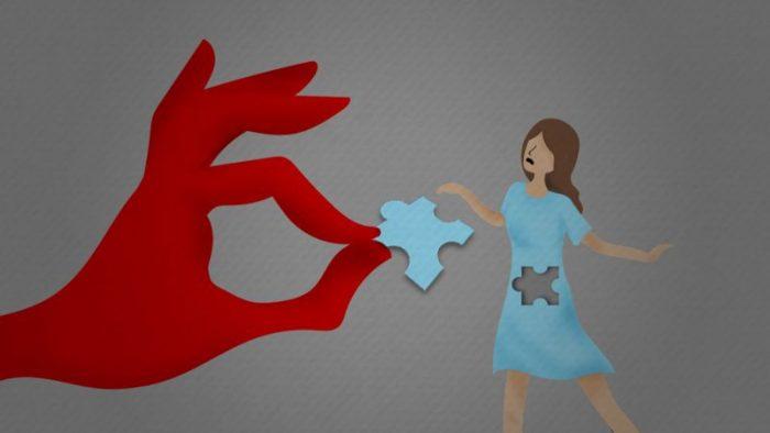 """""""Personas como tú no deben tener hijos"""": la denuncia de una mujer con VIH que acusa al Estado chileno de esterilizarla sin su consentimiento"""