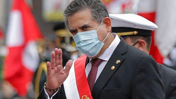 Presidente interino de Perú presenta renuncia