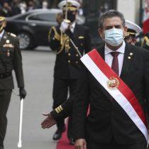 """Ambición de poder de cortísimo plazo y la """"repartija"""" parlamentaria, las claves de la crisis en Perú"""