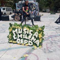 Músicos se manifiestan en el centro de Santiago