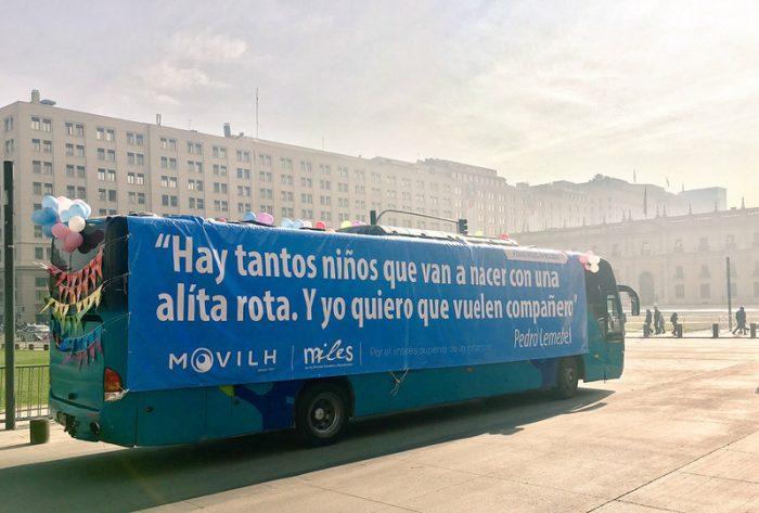 Bus de la diversidad saldrá a las calles con mensaje gigante de Carla González, la hija de Marcela Aranda