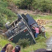 Al menos cuatro carabineros lesionados tras volcamiento de carro lanza aguas en la comuna de Lebu