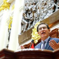 Congreso peruano destituye al presidente Martín Vizcarra