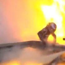 Salvó su vida por segundos: piloto de la Fórmula 1 logró escapar del auto luego de que se incendiara tras un choque