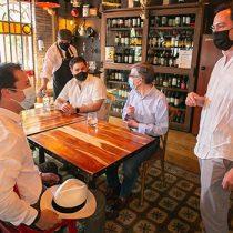 Dan el vamos a apertura al interior de restaurantes para comunas en Paso 3
