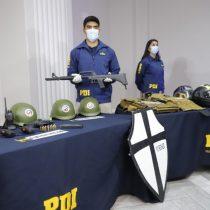 Armas, cascos, escudos del Rechazo y chalecos tácticos con la araña de Patria y Libertad: el equipamiento de  los detenidos por amenazas a fiscal Chong