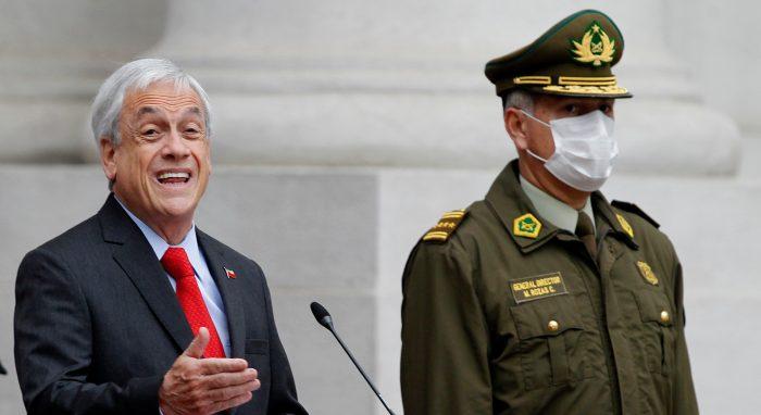 """No hay caso con Carabineros: fustigan a Piñera y Delgado por un nuevo """"espaldarazo"""" a Rozas y su Alto Mando con generales sumariados por la Contraloría"""