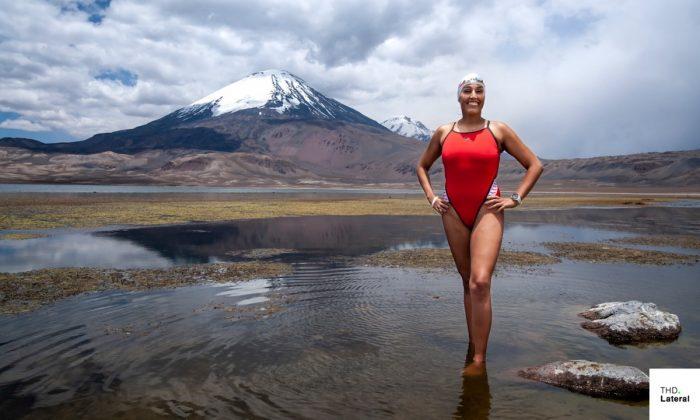 Bárbara Hernández vuelve a hacer historia y es la primera mujer en cruzar nadando el Lago Chungará