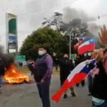 Comerciantes de Coronel y Lota cortaron el tránsito y realizaron barricadas demandando el levantamiento de la cuarentena y el restablecimiento del comercio