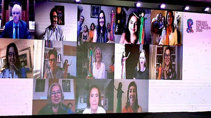 Distinguen a 11 mujeres que destacan por su contribución al desarrollo del país
