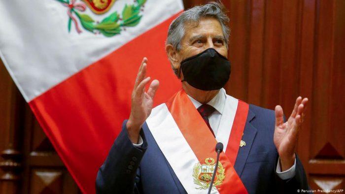 Francisco Sagasti descarta cambios a la Constitución de Perú