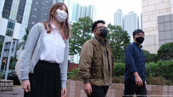 Hong Kong: Joshua Wong y otros jóvenes líderes pro-democracia detenidos tras declararse