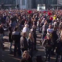 Miles de personas protestaron en Berlín en contra de las medidas sanitarias establecidas por el gobierno de Merkel