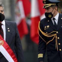 Perú: Francisco Sagasti cambia a jefe policial por represión a marchas