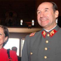 Justicia declara admisible querella contra esposa del general (R) Fuente Alba por lavado de activos