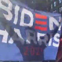 Estadounidenses sacan cacerolas y celebran en las calles la victoria de Biden-Harris sobre Trump