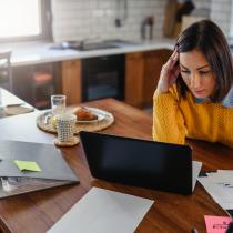 El 77% de las mujeres emprendedoras declara que su principal fuente de financiamiento son sus propios ahorros