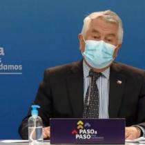 Ministro Paris responde a criticas del secretario general del Colegio Médico: